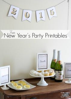 Free printable party pack for your New Year's Eve Party! Love these New Year's Eve Decorations and Party Ideas!