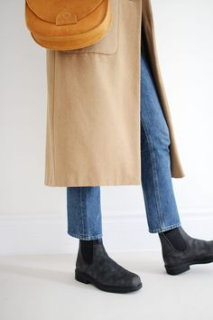 Wool Jackets and Leather Blundstone Boots Birkenstock, Looks Style, My Style, Casual Street Style, Casual Chic, Dress With Boots, Fall Winter Outfits, Clothes For Women, How To Wear