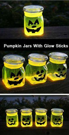 Pumpkin Jars With Glow Sticks - http://comfyhomeideaz.com/pumpkin-jars-with-glow-sticks/