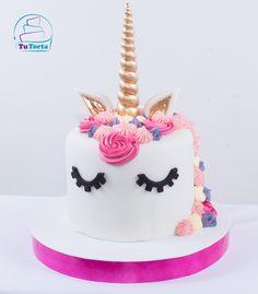 Tortas de Unicornio elaborada por @tutortamedellin #tortastematicas #tortaspersonalizadas #medellin #unicornio #unicorn www.facebook.com/tutortamedellin/