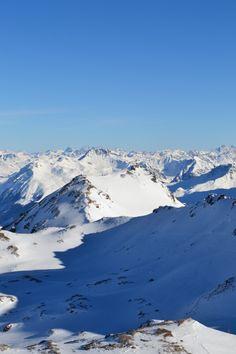 View of a thousand mountains Rothornbahn : Graubünden - Lenzerheide © Carlynn McCarthy