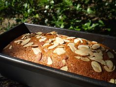 Photo by breezermom Honey Cake is one of the highly popular desserts of Fiji. The cake becomes moister and its flavors deepen a day or two after it is made. Fiji Food, Russian Honey Cake, Cake Recipes, Dessert Recipes, Icing Recipes, Feta Salat, Bon Dessert, Island Food, Thinking Day