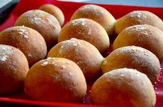 Diese herrlichen luftigen Brötchen eignen sich ideal für den Sonntagsbrunch oder auch als Burger  http://www.healthkitchen.at/rezepte/brot/