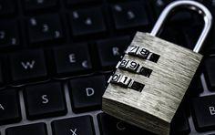 Ein US-Hacker unter dem Nickname The Jester (Narr) hat eigenen Angaben zufolge die Seite des russischen Außenministeriums angegriffen, berichtet CNN. Dem Hacker zufolge war das seine Rache gegen einen massenhaften Cyberangriff auf eine ganze Reihe bekannter amerikanischer Seiten. The Jester glaubt, dafür sei Russland verantwortlich gewesen.
