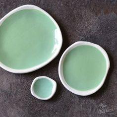 Ebb Tide Collection ~ pebble plates in sea green Ceramic Shop, Ceramic Decor, Ceramic Clay, Ceramic Plates, Decorative Plates, Kitchenware, Tableware, Prop Styling, Ceramic Artists