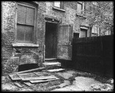 The back yard of 29 Hanbury Street. Annie's body was found lying parallel to the fence, her head almost touching the steps.