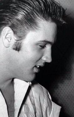 elvis close up photos Elvis Today, Robert Sean Leonard, Young Elvis, Elvis And Priscilla, Elvis Presley Photos, Latest Albums, Graceland, Rock N Roll, Rockabilly