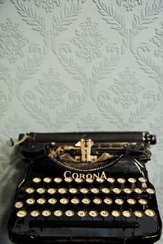 Just found this typewriter at a yard sale!!!