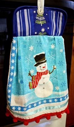 quick gift: pot holder dish towel ( a couple of these would be cute in a housewarming basket ) Fabric Crafts, Sewing Crafts, Sewing Projects, Diy Crafts, Dish Towel Crafts, Dish Towels, Tea Towels, Dollar Store Crafts, Dollar Stores