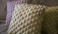 pletené vankúšiky Throw Pillows, Blanket, Crochet, Toss Pillows, Cushions, Decorative Pillows, Ganchillo, Blankets, Decor Pillows