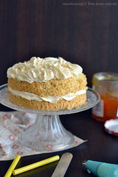 layer cake noisette et chantilly d'abricot