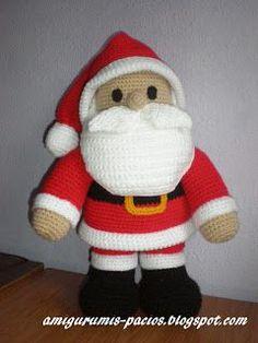 ALGUNOS AMIGURUMIS CON INDICACIONES Que son los muñecos amigurumi? Puntos básicos para hacer amigurumis Oso, Pinguino, Pez Muñeca tejida... Crochet Santa, Crochet Snowman, Crochet Amigurumi, Holiday Crochet, Diy Crochet, Crochet Dolls, Crochet Christmas Decorations, Crochet Decoration, Christmas Knitting Patterns