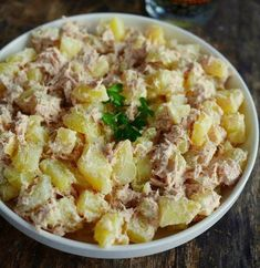 The potato is an integral part of our daily dishes . And if we make summer salads that are easy to Fast Healthy Meals, Healthy Salad Recipes, Clean Eating Chicken, Watermelon Recipes, Summer Salads, Crockpot Recipes, Potato Salad, Entrees, Cooking Tips