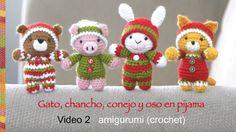 colas, orejas y acabados- Oso, gato, chancho y conejo bebés en pijamas esperando Navidad (crochet-...