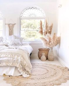 Chic Boho Bedroom Decor Ideas You Will Be Excited About Decorating Momooze – Bedroom Inspirations Home Decor Trends, Diy Home Decor, Decor Ideas, Home Decoration, Wall Decorations, Boho Bedroom Decor, Diy Bedroom, Gold Bedroom, Bedroom Ideas
