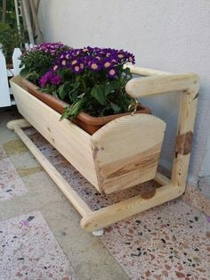 Wood Projects That Make Money: Small and Easy To Build and Sell ... #woodproject #diywood #woodworkingproject