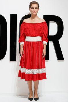 Натали Портман в Christian Dior на презентации нового аромата марки в Токио