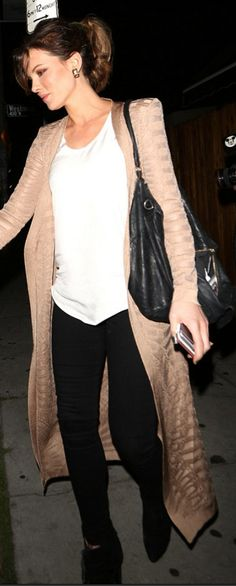 Who made Kate Beckinsale's tan print cardigan sweater, black leather handbag, and suede lace up boots?