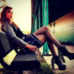 Lzzy Hale frontwoman of Halestorm. Oh my lovely