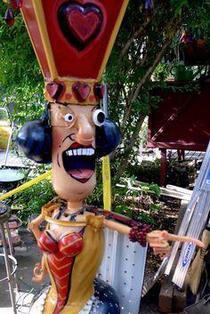 Photo of Patrick Amiot Sculpture Art- Florence Avenue - Sebastopol, CA, United States Metal Yard Art, Metal Art, Reuse Recycle, Recycling, Sculpture Art, Sculptures, Junk Art, Sonoma County, Red Queen