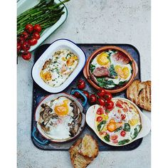 """""""Morning guys #recipeoftheday beautiful baked eggs...lots of ways! This is such an easy breakfast recipe and you can take it in so many different directions...we've got  spinach & ham or tomato & basil or smoked salmon & chives OR truffle mushrooms!!! Recipe over on jamieoliver.com xxx happy weekend #JamieOliver #breakfast #brunch"""" Photo taken by @jamieoliver on Instagram, pinned via the InstaPin iOS App! http://www.instapinapp.com (11/28/2015)"""