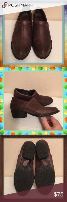 Gently worn Born Kinney Bootie Shoes SZ 6.5 I liked these so well I bought 2 pair, the only problem is here you get very few chances to wear this type of boot/shoe, I mainly wanted them to keep my jeans from dragging the ground but I have a pair of UGG Boots that do that so your tossing a coin each winter, what will it be, the Boot/Shoes or the UGG boots so I decided to let these go & make my decision a lot easier lol. They are extremely comfortable & in great condition. Very little wear…