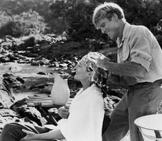 Out of Africa is a 1985 American romantic drama film directed and produced by Sydney Pollack and starring Robert Redford and Meryl Streep. The film is based loo Robert Redford, Meryl Streep, Michael Kitchen, Karen Blixen, Beau Film, Viejo Hollywood, Oscar Night, Cinema, Out Of Africa
