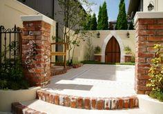 ガーデン施工事例 / 南欧風、ジューンベリー、赤レンガ、テラス、ベンチ
