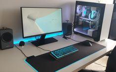 Laptop Gaming Setup, Computer Gaming Room, Computer Desk Setup, Computer Build, Gaming Room Setup, Pc Setup, Bedroom Setup, Game Room Design, Workspace Inspiration