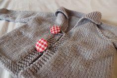 Easy Baby Cardigan, free pattern, Ravelry