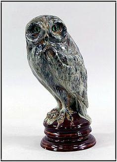 Émile Gallé, Chouette en faïence émaillée  yeux en verre - c. 1890 -