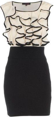 Cream/Black Ruffle Dress - this would look good on my sisters Cute Fashion, Look Fashion, Fashion Outfits, Womens Fashion, Dress Fashion, Black Ruffle Dress, Ruffle Top, White Dress, Look 2015