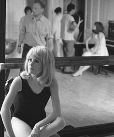 Catherine Deneuve and Françoise Dorléac on the set of Les demoiselles de Rochefort (1967)