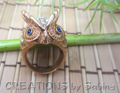 Owl Ring Gold Tone Metal Size 9 Rhinestones Clear Blue Eyes