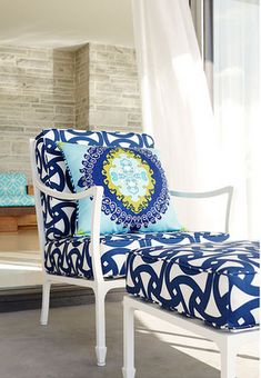 Cushions in Trina Turk Santorini Print Marine, with Super Paradise in Pool Pillow Trina Turk, Casamance, House Of Turquoise, My Pool, Take A Seat, Cool Chairs, Ikea Chairs, My Dream Home, Home Furniture