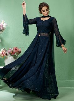 Party Wear Indian Dresses, Designer Party Wear Dresses, Indian Gowns Dresses, Kurti Designs Party Wear, Dress Indian Style, Indian Fashion Dresses, Indian Wedding Outfits, Indian Designer Outfits, Indian Long Dress