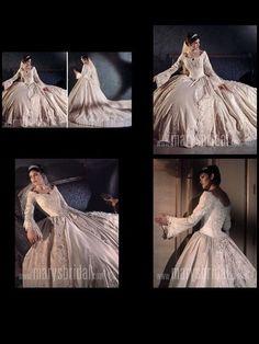 my wedding dress with butmine was white/silver in 2004 Wedding Things, Wedding Stuff, Dream Wedding, Wedding Dress Suit, Wedding Gowns, Formal Prom, Masquerade, Dress Ideas, Cupboard