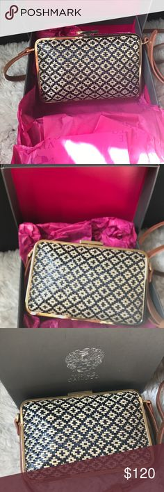 Vince Caumuto Mina Crossbody Blue/Off-White 100% Authentic Vince Camuto Mina Straw Woven Crossbody in Blue/Off-White. Only worn twice so it's in awesome shape. Strap is brown. Comes in a Vince Camuto gift box. Vince Camuto Bags Crossbody Bags