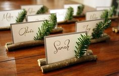 Christmas decor: 20 DIY place cards for a really hot table! - Christmas decor: 20 DIY place cards for a really hot table! Christmas Place Cards, Christmas Table Settings, Christmas Table Decorations, Noel Christmas, All Things Christmas, Christmas Wedding, Christmas Crafts, Christmas Tables, Modern Christmas