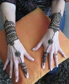 Inspiring Pakistani & Indian Mehndi Designs