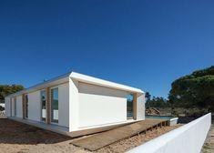 Casa pré-fabricada portuguesa prima pelo design e função - Arcoweb