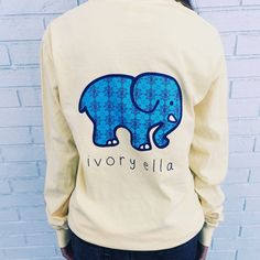 Pocketed Sunshine Evil Eye Print – Ivory Ella Saw a girl wearing it in Aruba and though it looks so cool Long Sleeve Tops, Long Sleeve Shirts, Preppy Style, My Style, Down South, Top Pattern, What To Wear, Cute Outfits, Ivory