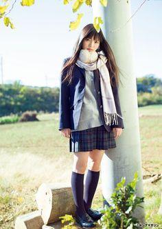 アイドルグループ「欅坂46」の上村莉菜さんが、20日発売のマンガ誌「月刊ヤングマガジン」(講談社)2号の巻末グラビアに登場した。 上村さんは1997年1月4日...