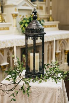 In A Stunning Church The Ceremony Decor Is Minimal With Beautiful Unity Candle Www Juniperlanestudio