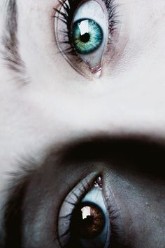 heterochromia - Glory's eyes, Beautiful and unnerving! Female Character Inspiration, Story Inspiration, Writing Inspiration, Pretty Eyes, Cool Eyes, Beautiful Eyes, Arte Digital Fantasy, Essayist, Human Eye