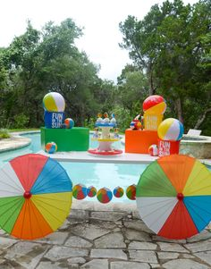 Summer pool party games beach ball 68 New Ideas Beach Ball Birthday, Beach Ball Party, Ball Birthday Parties, Summer Pool Party, Summer Birthday, Summer Theme Parties, Beach Party Decor, Kids Water Party, Beach Ball Cake