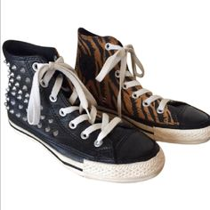2935e6dd28 32 Awesome Converse hightops images