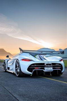 2019 Koenigsegg Jesko, brut power – Der MANN - Cars and motorcycles Luxury Sports Cars, Top Luxury Cars, Exotic Sports Cars, Cool Sports Cars, Exotic Cars, Sport Cars, Lamborghini Gallardo, Carros Lamborghini, Lamborghini Cars