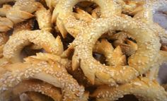 These Sephardic Bisochos are really easy to make and perfect for Hanukkah…