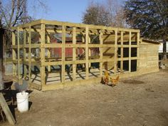 duck pens with pallets | http://www.backyardchickens.com/forum/uploads/6612_aviary_1.jpg